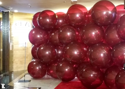 Balloon wall explodes for Hells Kitchen reveal by TLC